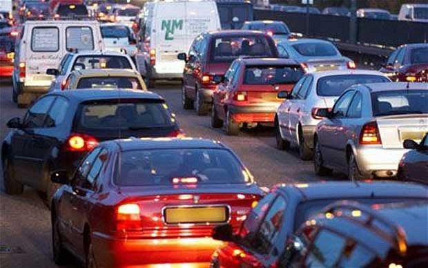 Traffico visto dall'auto